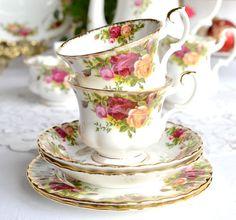Royal Albert tea set Old Country Roses tea cup 57efc60427