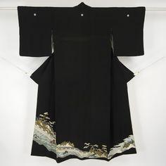 Black, silk kuro tomesode kimono / 渋い色柄が落ち着きある年代の方向きの黒留袖 http://www.rakuten.co.jp/aiyama #Kimono #Japan #aiyamamotoya