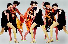 Foto de campaña colección SS 2004 Banderas.