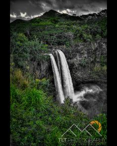 Wailua Falls just north of Lihue on Kauai. Please Follow Me! http://ift.tt/2mzbUVk #TLTPhotography #TheTrailLessTraveledPhotography #waterfall #lihue #kauai #hawaii #WailuaFalls #Tropical www.tlt.photography Photography From Off The Beaten Path For prints and/or frames please contact me.