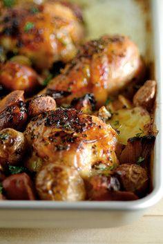 Muslos de pollo con chorizo y patatas