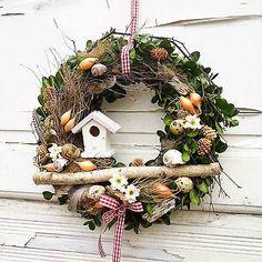 Easter Wreaths, Christmas Wreaths, Christmas Decorations, Diy Wreath, Door Wreaths, Fourth Of July Decor, Holiday Crafts, Holiday Decor, Summer Wreath