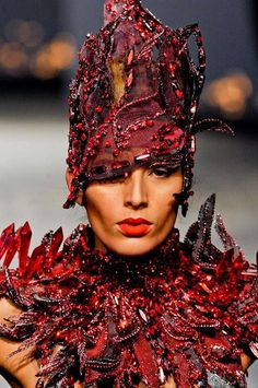 Bejeweled Alien Fashion - The Models in On Aura Tout Vu Spring 2012 are Not from Earth (GALLERY)