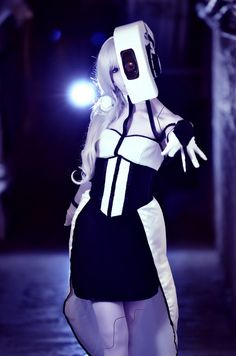 Awesome GlaDOS cosplay. Awesome photoshoot.