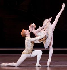 The Sleeping Beauty. The Royal Ballet. Sarah Lamb as Aurora and Steven McRae as Prince Florimund. October 2011. Photo by Johan Persson