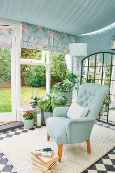 Create the perfect relaxing space with shades of duck-egg paint, and complimenting blush pink soft furnishings. Duck Egg Blue And Pink Bedroom, Duck Egg Blue Living Room, Blue And Pink Living Room, Pastel Living Room, Classy Living Room, Blue Rooms, Conservatory Interiors, Conservatory Decor, Relaxation Room