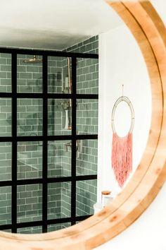 Small bathroom shower Small Bathroom With Shower, Big Bathrooms, Bathroom Design Small, Bathroom Modern, Diy Bathroom Remodel, Diy Bathroom Decor, Bathroom Interior, Bathroom Ideas, Big Design