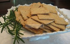 Crackers made with flax, almond meal & oat fiber!