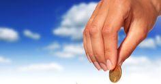 Přitahování peněz a manifestace hojnosti Holding Hands