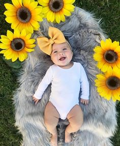Baby Girl Onesies Diy Pictures 19 New Ideas 6 Month Baby Picture Ideas, Baby Girl Pictures, Newborn Pictures, Chubby Babies, Cute Babies, Baby Kids, Baby Boy, Monthly Baby Photos, Monthly Pictures