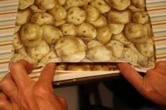 microwave baked potato pouch Baked Potato Microwave, Microwave Baking, Pouch, Potatoes, Meat, Chicken, Food, Sachets, Potato