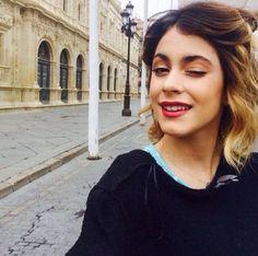 En Sevilla,para Violetta