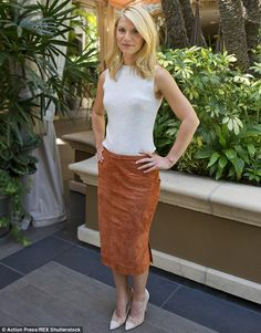 Claire Danes shows off her frame in pencil skirt at Homeland photocall : Powerful: Claire Danes was on fine form as she stepped out for the Homeland photocall at t. Carrie Mathison, Orange Pencil Skirts, Jamie King, Claire Danes, Kendall And Kylie Jenner, Celebs, Celebrities, Street Wear, Dress Up