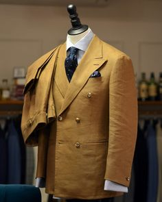 W Bill Fine Irish Linens & Pure Cottons 60260 Double breasted suit by Brown's Tailor, Hong Kong