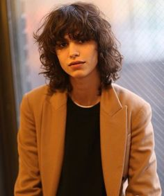 mica arganaraz~ love the shag look but I think only specific faces can pull it off Mullet Hairstyle, My Hairstyle, Cut My Hair, Hair Cuts, Hair Inspo, Hair Inspiration, Shag Hairstyles, Grunge Hair, Hair Goals