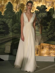 Today we are drooling over these beautiful gowns bridal collection spring 2014 Anne Barge. Anne Barge Wedding Dresses, Plus Size Wedding Gowns, Wedding Dresses 2014, Bridal Dresses, Dress Wedding, Dresses 2013, Beach Wedding Attire, Bridal Gown Styles, Wedding Dress Gallery