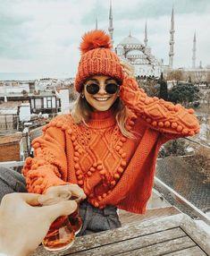orange sweater and hat @dcbarroso