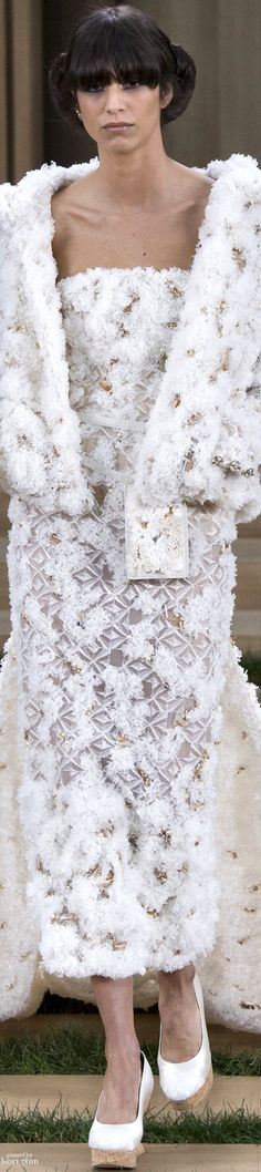 www.2locos.com CHANEL Couture Spring 2016