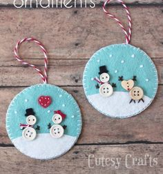 Felt Christmas Ornaments - Handmade Christmas Ornaments are so much to create during the holiday season. Here are Homemade Christmas Ornaments for Kids and Adults. They are broken down into felt ornaments, Christmas balls, country and rustic Christmas Felt Christmas Decorations, Christmas Ornaments To Make, Christmas Sewing, Christmas Projects, Christmas Fun, Holiday Crafts, Christmas Balls, Rustic Christmas, Snowman Ornaments