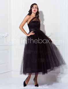 A-line monospalla. Love this dress!