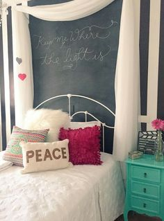 Decoração de quarto da Nah Cardoso Diy Home Decor Rustic, Diy Room Decor, Bedroom Decor, Preteen Bedroom, Girls Bedroom, Bedrooms, Fashion Room, Home Office Decor, New Room