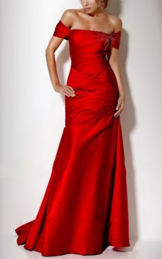 Shop for stylish evening dresses and look stunning this season at JadeGowns UK. We have thousands party dresses, prom dresses, wedding dresses, evening gowns and mini dresses to day and going out dresses and more. Prom Dresses 2015, Sexy Dresses, Bridesmaid Dresses, Dresses Uk, Party Dresses, Bridesmaids, Girls Dresses, Taffeta Dress, Ruched Dress