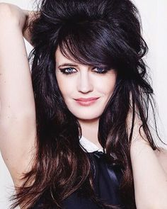 Welcome to Daily Eva Green, your number one source about the french actress best known for her roles. Actress Eva Green, French Actress, Female Stars, Portraits, Sensual, Beautiful Actresses, Beautiful Women, Hairstyle, Celebs