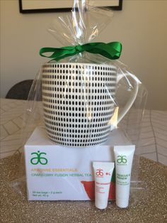 Have someone you want to buy a gift for, but not sure what to buy? Here's a gr. Arbonne 30 Day Cleanse, Arbonne Detox, Spa Party, Party Gifts, Arbonne Consultant, Independent Consultant, Arbonne Party, Arbonne Nutrition, Arbonne Business