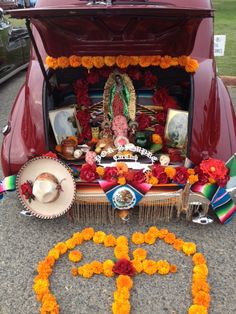 Altar in the trunk of an old car