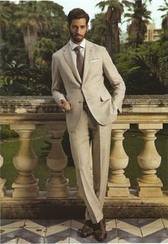 American men could learn a few from all the European dandies in their beige suits. Khaki Suits, Beige Suits, Tailored Suits, Mens Suits, Mens Attire, Sharp Dressed Man, Well Dressed Men, Classic Men, Summer Suits