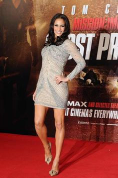 Paula Patton Cocktail Dress - Paula Patton wore a skin tight silver cocktail dress for the 'Mission: Impossible' UK photocall. Silver Cocktail Dress, Silver Dress, Girl Celebrities, Celebs, Katy Perry Pictures, Beautiful Actresses, Beautiful Celebrities, Beautiful Women, Paula Patton