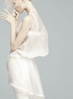 kevc · blog simple white  to wear with long earrings