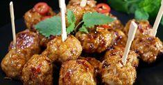 Pidätkö mausteisesta ja tulisesta ruoasta? Tässä sinulle oivalliset kanapullat, jotka ovat kuin pienet sähikäiset. Tulisuuden määrää voit säädellä helposti. Resepti on helppo ja ruoka valmistuu vajaassa ½ tunnissa. Näitä kanapullia voit tarjota perinteisesti perunoilla tai riisillä tai popsia ihan sinällään. Broileripyörykät Ainekset: 800 g broilerin jauhelihaa 2 valkosipulinkynttä 1 sipuli 1 ½ tl suolaa 1 …