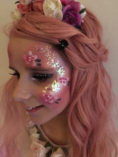 # Make-up # Make-up Beispiele # Make-up # Make-up Beispiele - Famous Last Words Face Painting Flowers, Eye Face Painting, Adult Face Painting, Butterfly Face Paint, Face Painting Designs, Body Painting, Skin Paint, Rave Makeup, Glitter Face