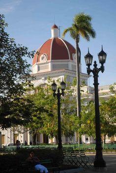 Joyas arquitectónicas de Cienfuegos (Cuba).  This is my birthplace/city. <3