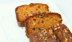 Eggless Whole Wheat Carrot Cake : Easy & Simple whole wheat cake! This carrot cake is soft, super moist and full of flavor! Egg Free Carrot Cake, Whole Wheat Carrot Cake, Eggless Carrot Cake, Carrot And Walnut Cake, Healthy Carrot Cakes, Healthy Cake Recipes, Honey Recipes, Baking Recipes, Bread Recipes