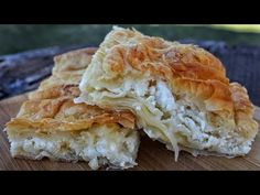 'Village' Cheesecake with Homemade Leaf (Video) Recipes – Sintayes.gr – πίτ… 'Village' Cheesecake with Homemade Leaf (Video) Recipes – Sintayes. Greek Desserts, Greek Recipes, Pie Recipes, Cooking Recipes, Macedonian Food, Cheesecake, Pastry Design, Happy Foods, Recipe For Mom