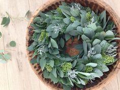 der frische adventskranz aus eukalyptus bild 2. Black Bedroom Furniture Sets. Home Design Ideas