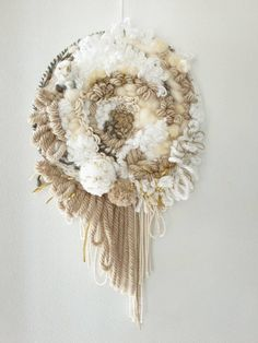 Weaving Wall Hanging, Weaving Art, Loom Weaving, Hand Weaving, Weaving Projects, Macrame Projects, Loom Knitting Patterns, Knitting Tutorials, Free Knitting