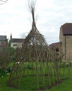 Living Willow Arches: Gardenista