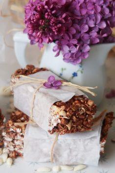 Desserts chocolatés Archives - Elo à la bouche Cereal Bars, Chocolate, Biscuits, Meals, Cookies, Sweet, Commerce, Ferrero Rocher, Biscotti