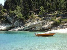 Glyfada Beach In Paxos island Seaside Beach, Beach Villa, Glyfada Greece, Paxos Greece, Paxos Island, Greek Islands, Planet Earth, Us Travel, Villas