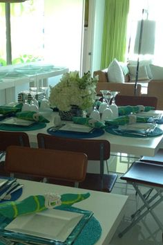 An Elegant #Passover Table Setting Inspired by #KimSeybert