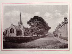 Another picture of early 1900s Spalding. The parish church and Church St.