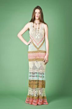 crochelinhasagulhas: Vestido de crochê colorido