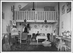 Amadeo de Souza Cardoso, 1887-1918  Amadeo de Souza Cardoso no seu atelier - 20, Rue Ernest Cresson, Paris (França). Data de produção da fotografia: 1913.