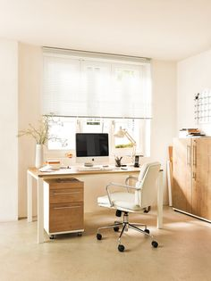 Micasa Arbeitszimmer mit Pult und Rollcontainer aus dem Programm CONCEPT X