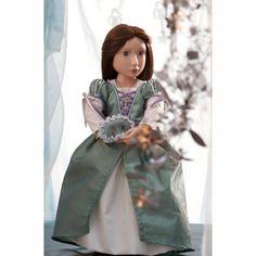 Matilda nel suo abito da ballo. Bambola ed abito solo su Giocattoli dal Mondo!