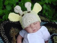 giraffe hat on reborn Baby Hats Knitting, Crochet Baby Hats, Baby Pictures, Baby Photos, Cute Hats, Baby Fever, Future Baby, Crochet Projects, Baby Animals