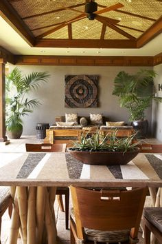 10 Ways of Maximizing House with These Hawaiian Home Decor Ideas - GoodNewsArchitecture Hawaiian Home Decor, Hawaiian Homes, Tropical Interior, Tropical Decor, Tropical Style, Casas Country, Tropical Houses, Ceiling Design, House Design